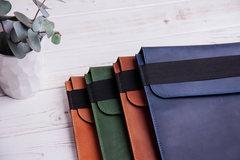 Синий вертикальный кожаный чехол Gmakin для iPad