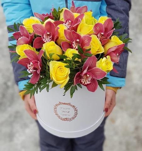 Коробка с орхидеей микс 2