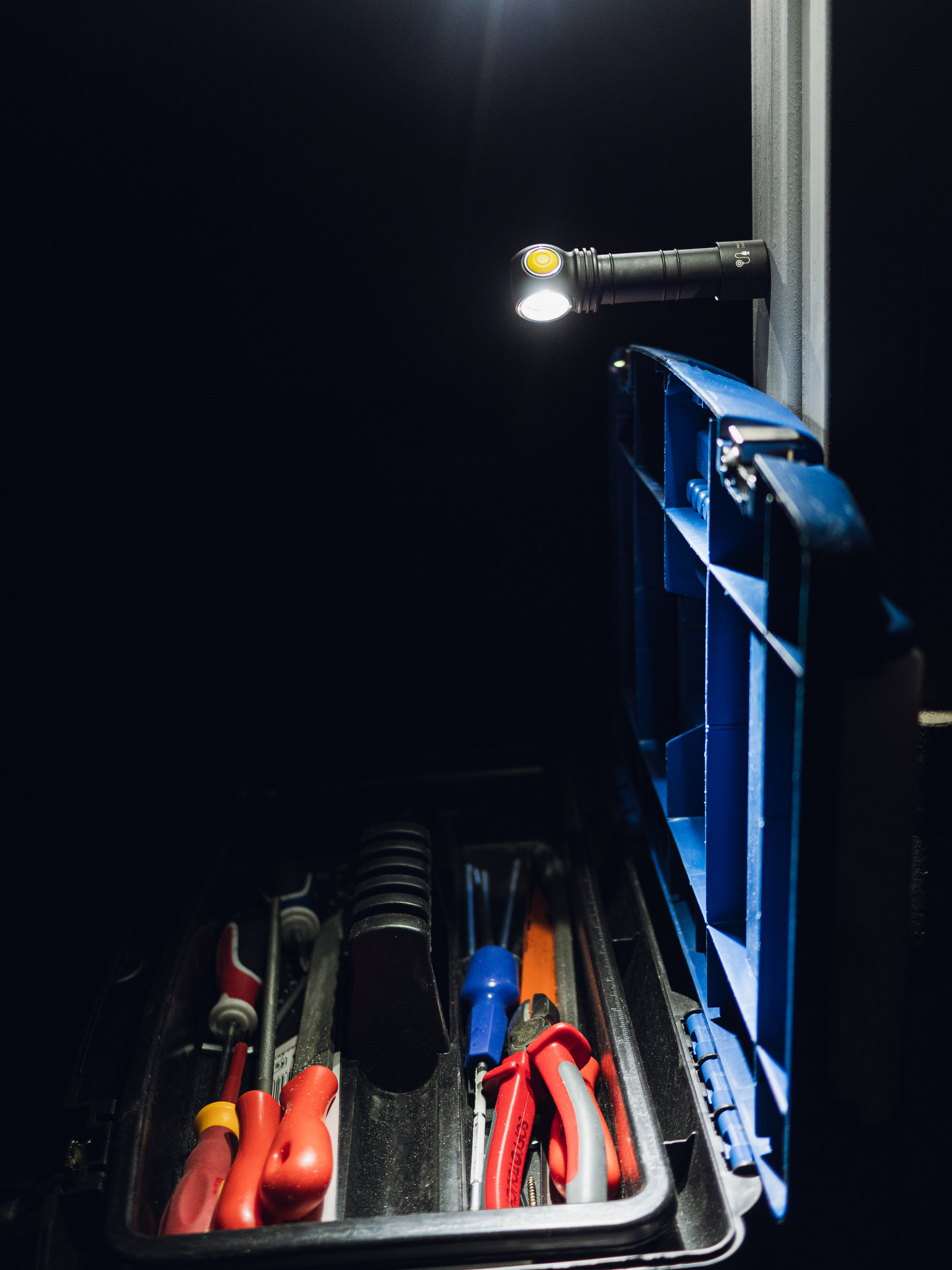 Фонарь Armytek Wizard C2 Magnet USB (теплый свет) - фото 9