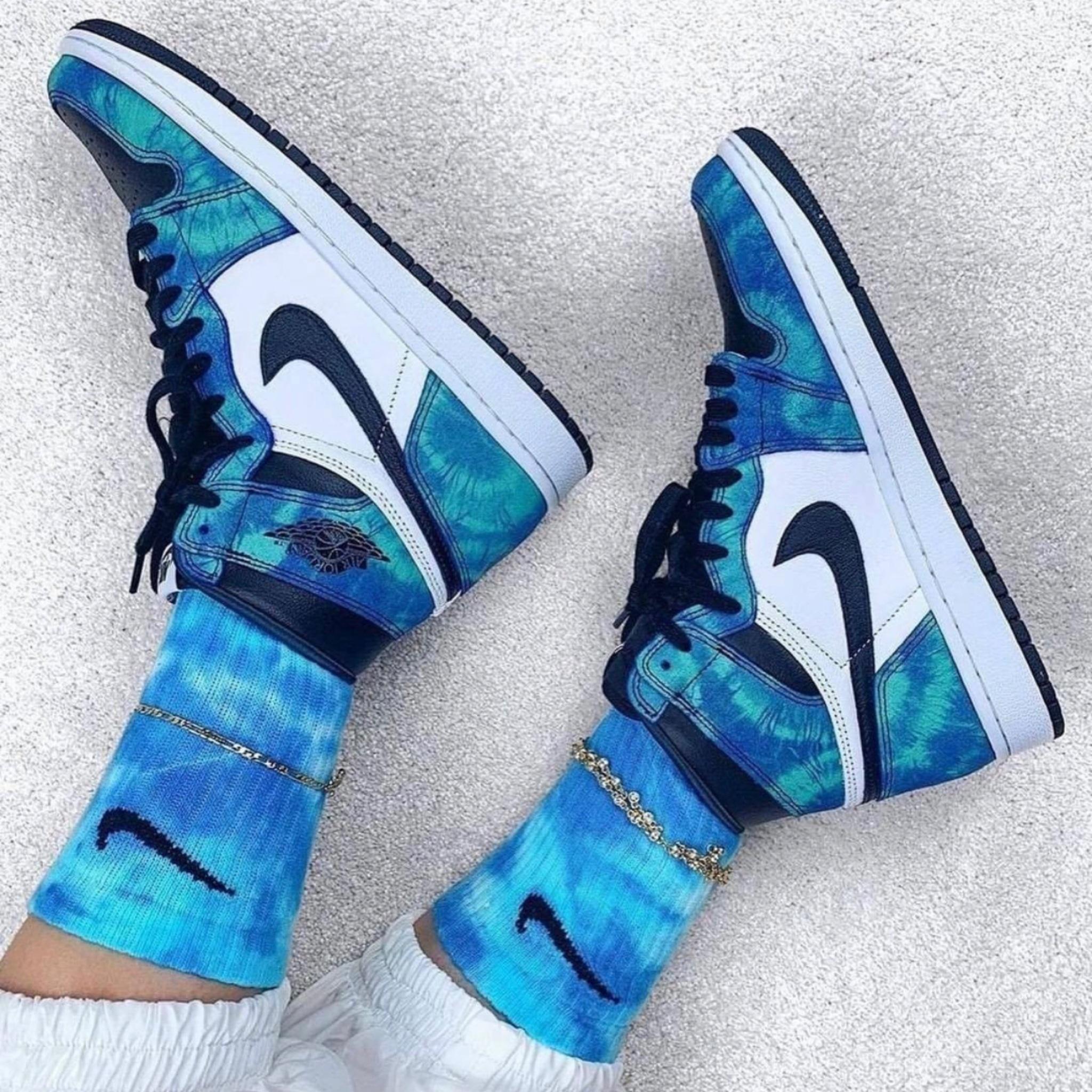 Nike Air Jordan 1 High Tie-Dye
