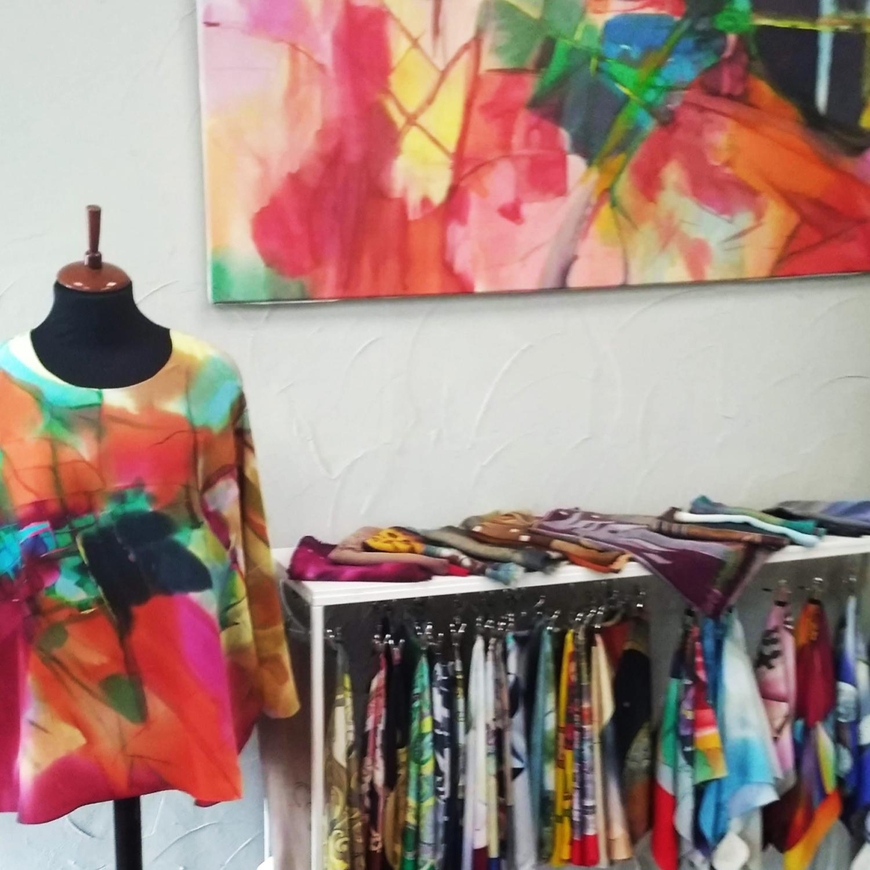 Шелковая блузка батик свободного кроя Абстракция