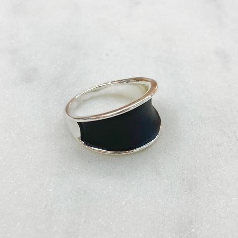 Кольцо Вогнутое Черная глазурь серебряный (ювел. сплав, родирование)