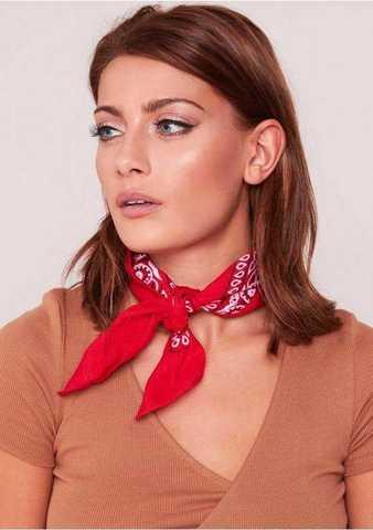 Красная бандана на шею фото
