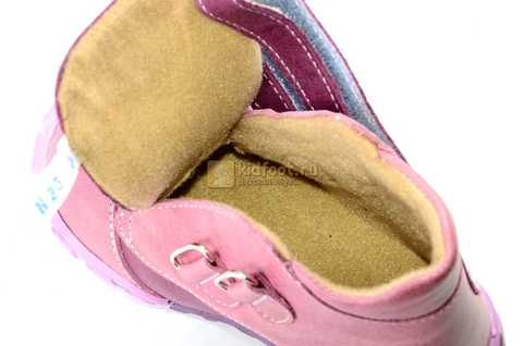 Ботинки Тотто из натуральной кожи на байке демисезонные для девочек, цвет фиолетовый. Изображение 11 из 11.