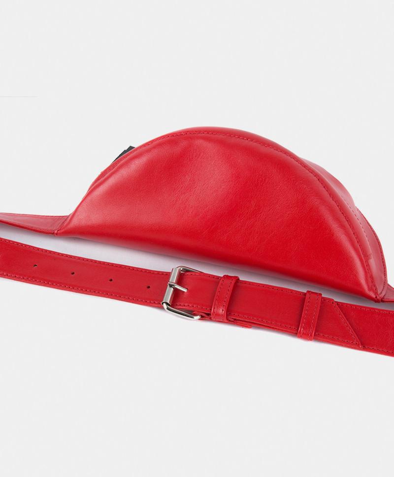 Поясная сумка красного цвета