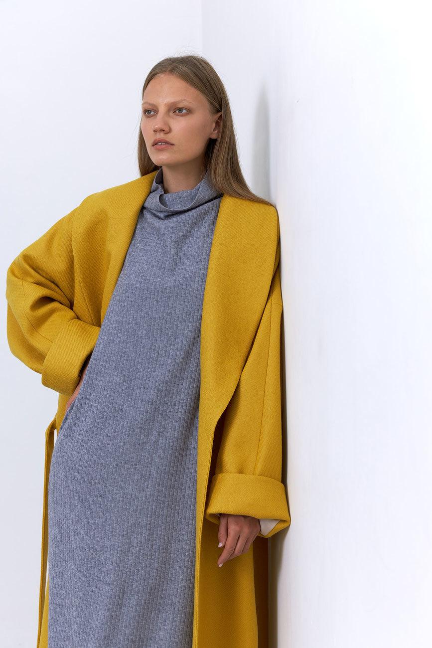 Пальто с комбинированным рукавом, охра