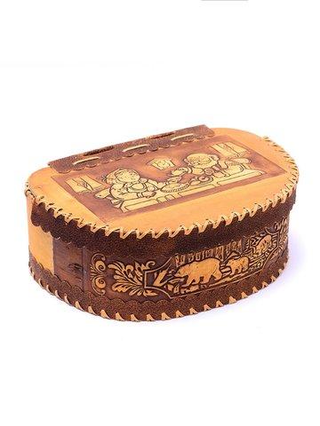 Батонница из бересты на шарнире с тиснёным изображением чаепития