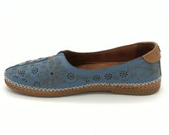 Кожаные голубые полуботинки с перфорацией на гибкой подошве