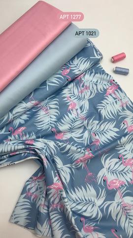 Фламинго на синем