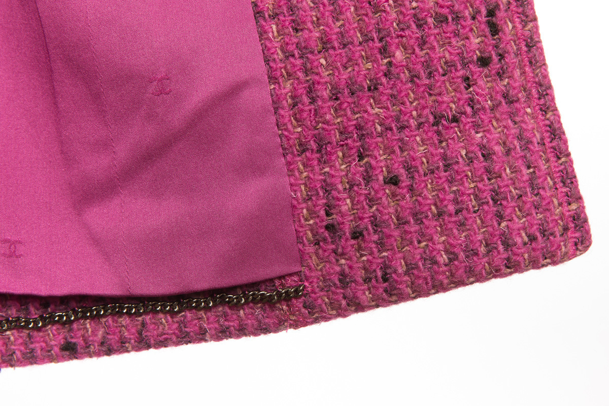 Розовый удлиненный твидовый жакет от Chanel, 44 размер