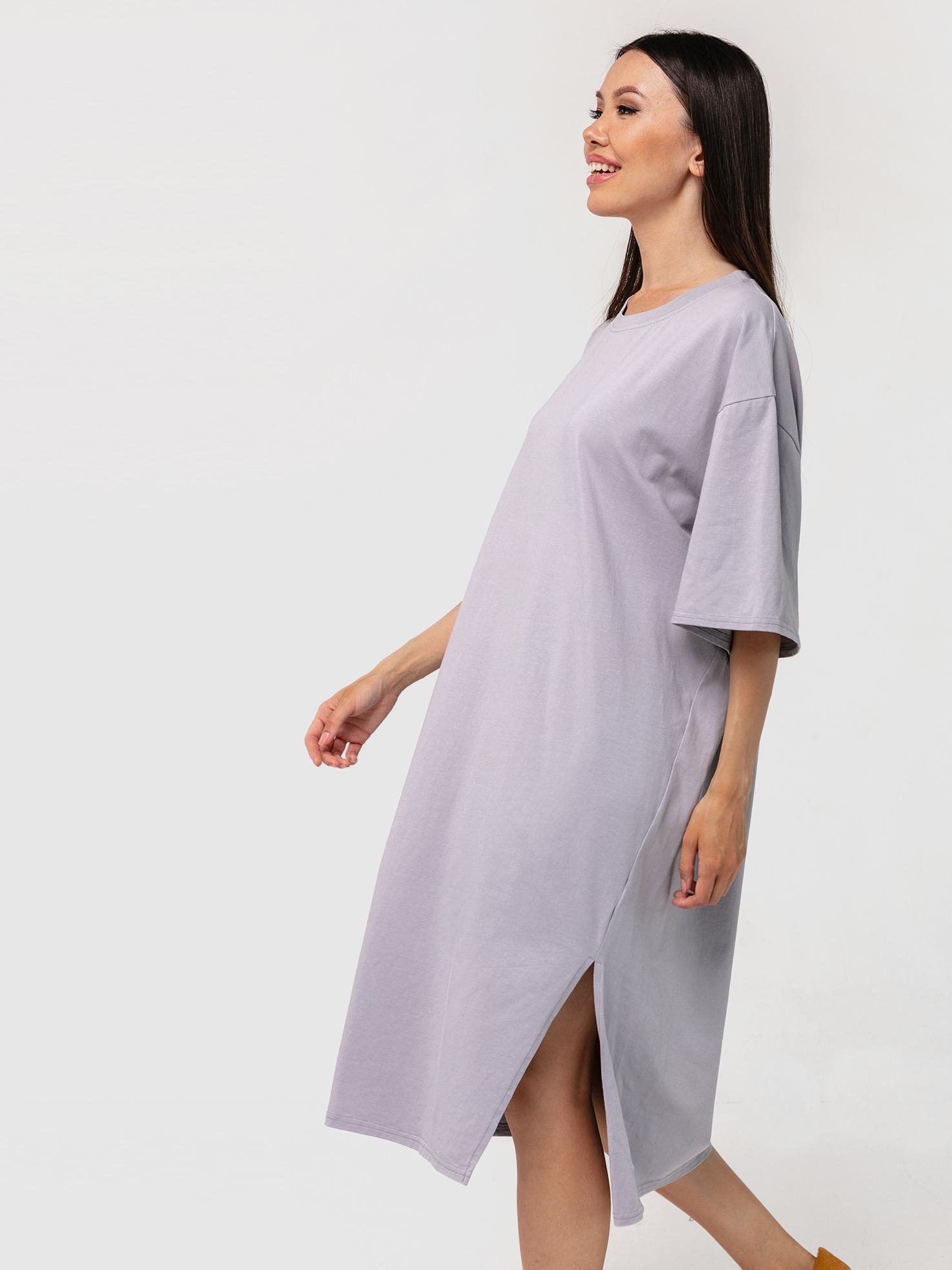 Платье-футболка серое с разрезом