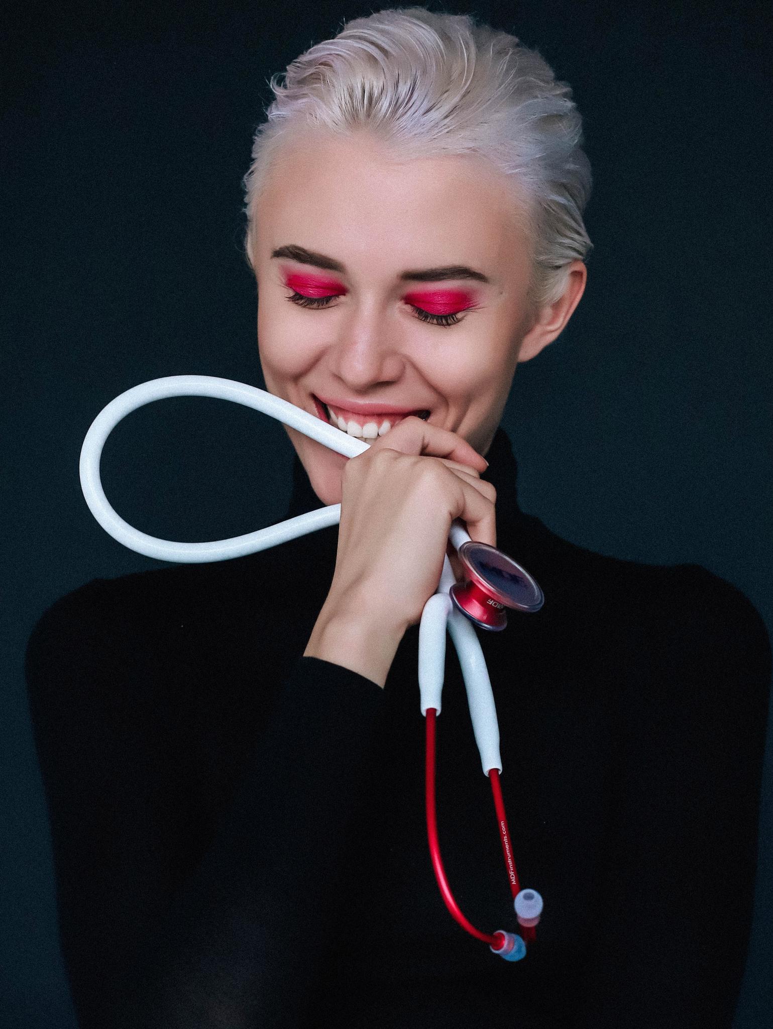 Облегченный стетоскоп Acoustica Deluxe (белый/красный)