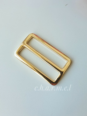 Пряжка двухщелевая литая, золото,  38х30х48 мм