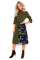 """<p>Модное платье """"Сафари"""" подчеркивает женственность и делает Ваш образ уникальным. Отрезное по талии, по переду планка на пуговицах, юбка полусолнце с вставкой из креп-шифона модного принта, рукав 3/4 с манжетом, ворот """"стойка"""", модные в этом сезоне клапаны, пояс.</p>"""