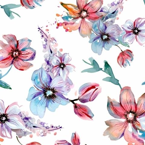 Нежные розовые и голубые цветы акварелью на белом фоне