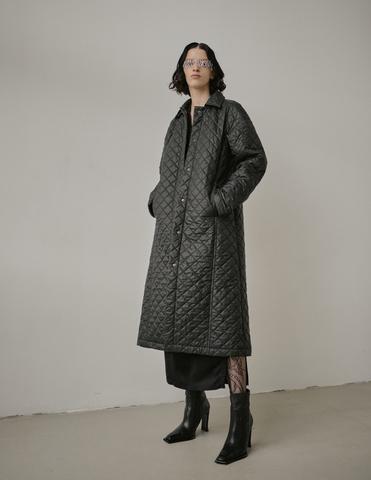Пальто стеганое с поясом