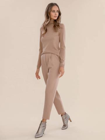 Женский свитер бежевого цвета из шерсти и шелка - фото 5