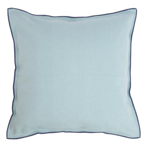 Чехол на подушку из фактурного хлопка голубого цвета с контрастным кантом из коллекции Essential