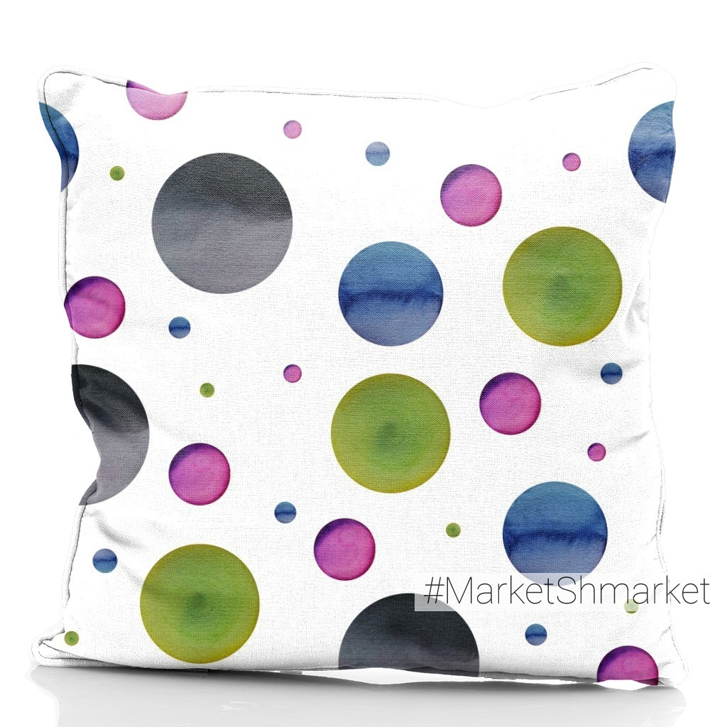 Watercolor seamless pattern of multicolored circles.