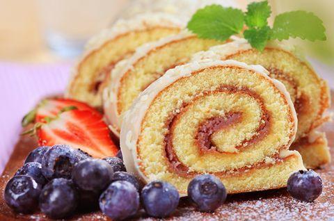 Безглютеновый Торт-Рулет. Композиция с ягодами