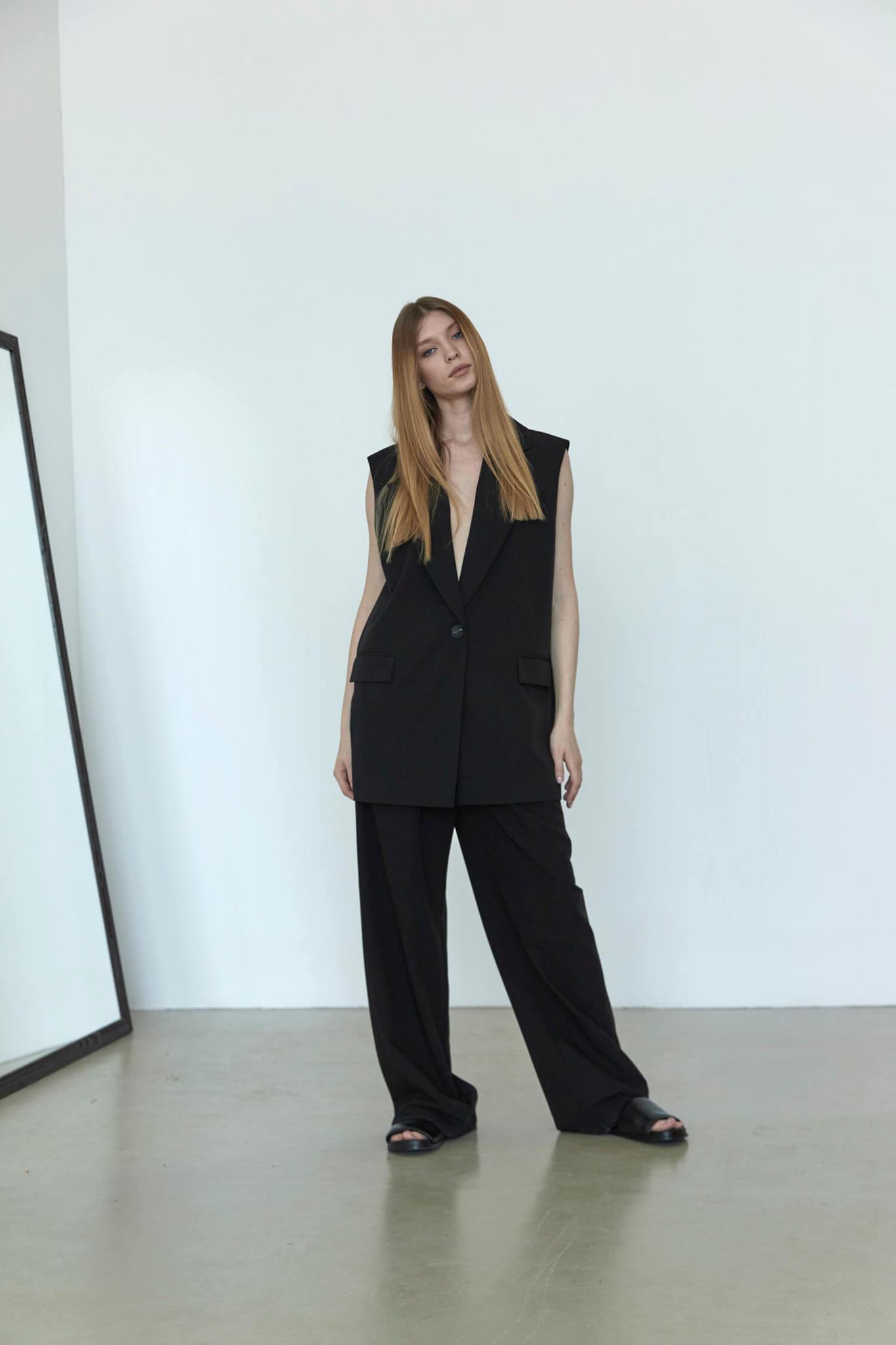 Широкие брюки с двумя складками,  черные