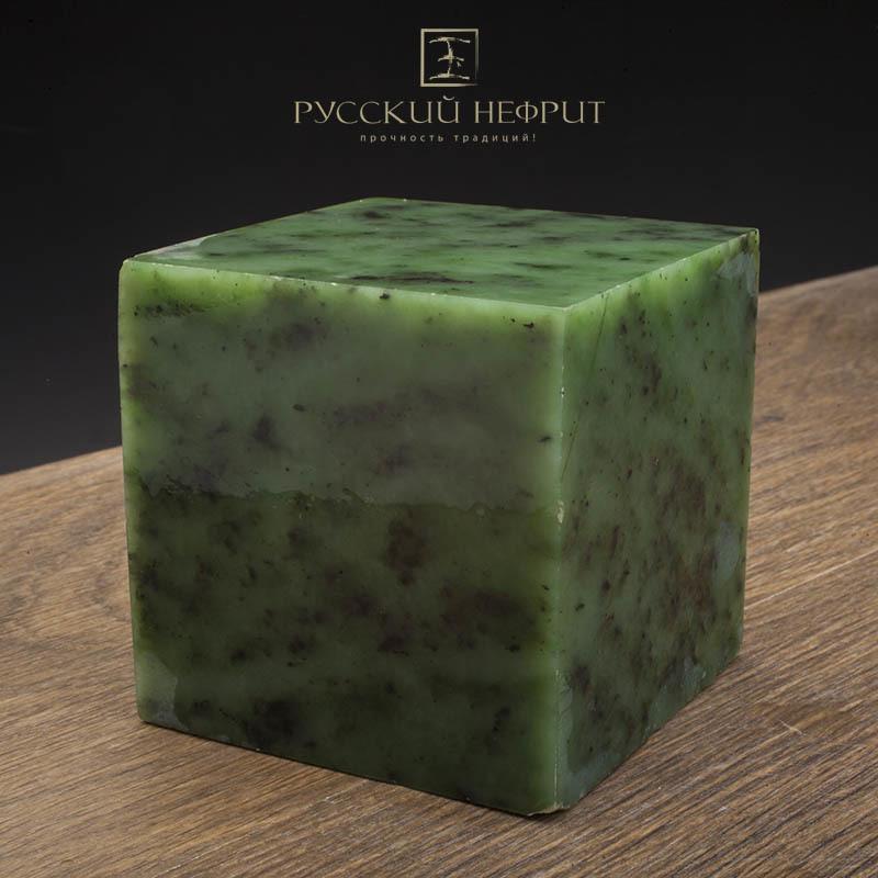 Зелёный нефрит Зелёный нефрит качества модэ с средним крапом. Образец №8 Образец_нефрита__8.jpg