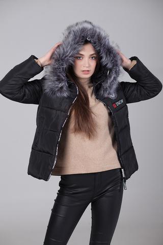 Куртка из плащевки с капюшоном купить