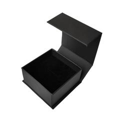 Коробка чёрная, с магнитным закрыванием