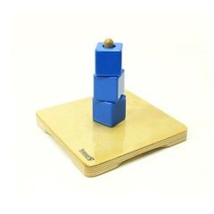 Монтессори материалы Пирамидка с кубиками