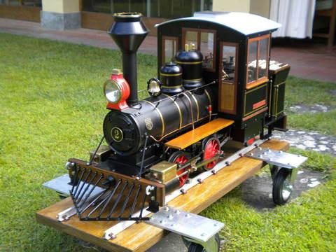 Garden Rail Паровоз Lil Jo на колею 17,8 см, угольный