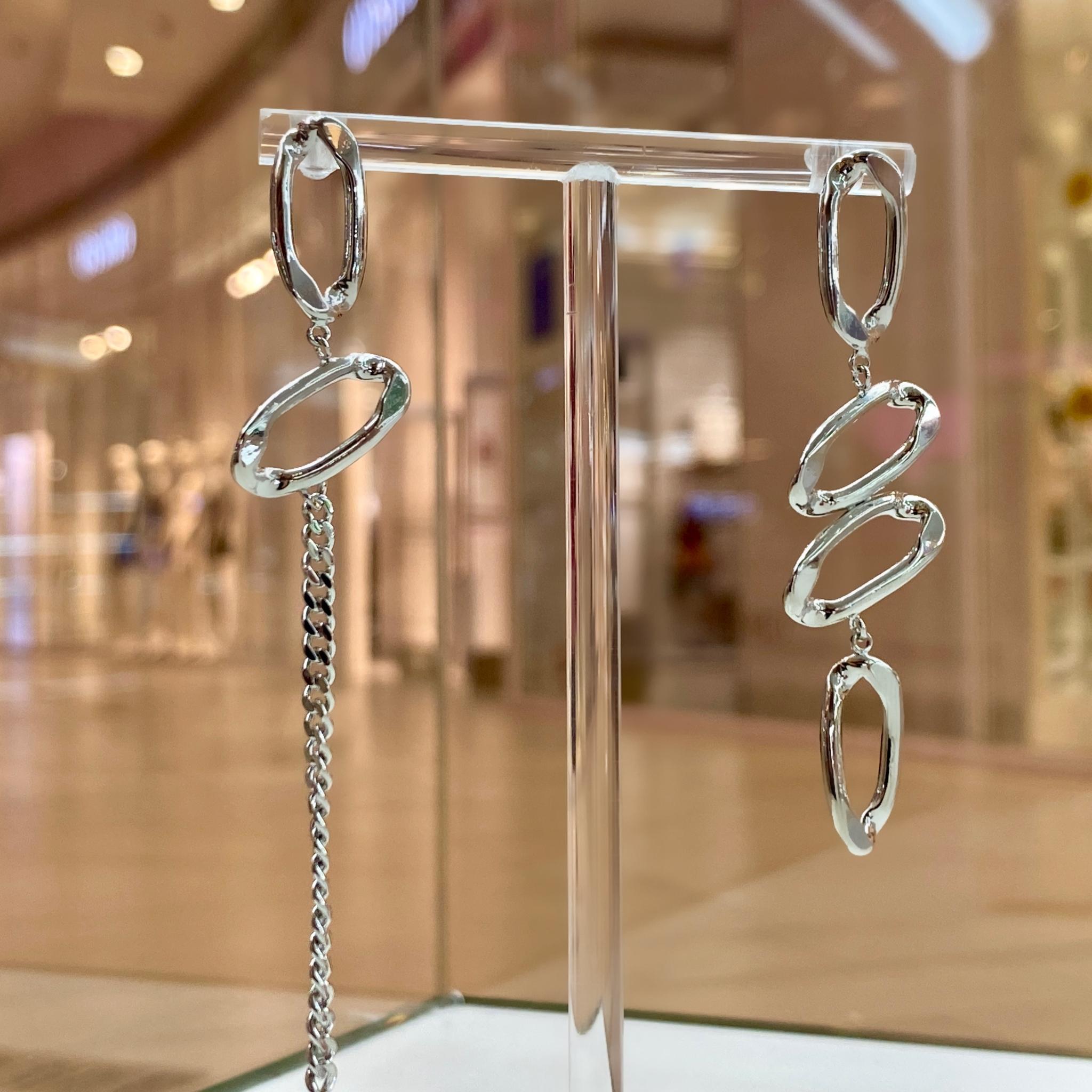 Серьги асимметричные с овальными звеньями и цепочкой (серебристый)