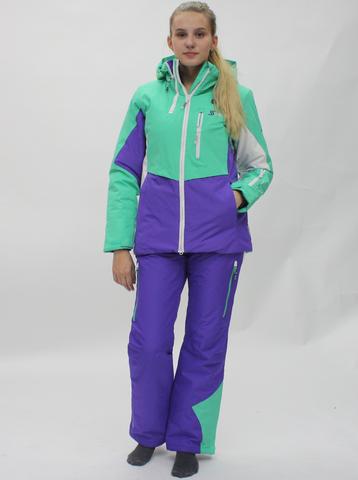 Горнолыжный костюм женский Snow Headquarter  мятно фиолетового цвета.