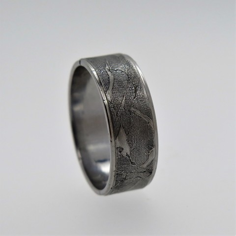 Кольцо из метеорита Муонионалуста или Сеймчан
