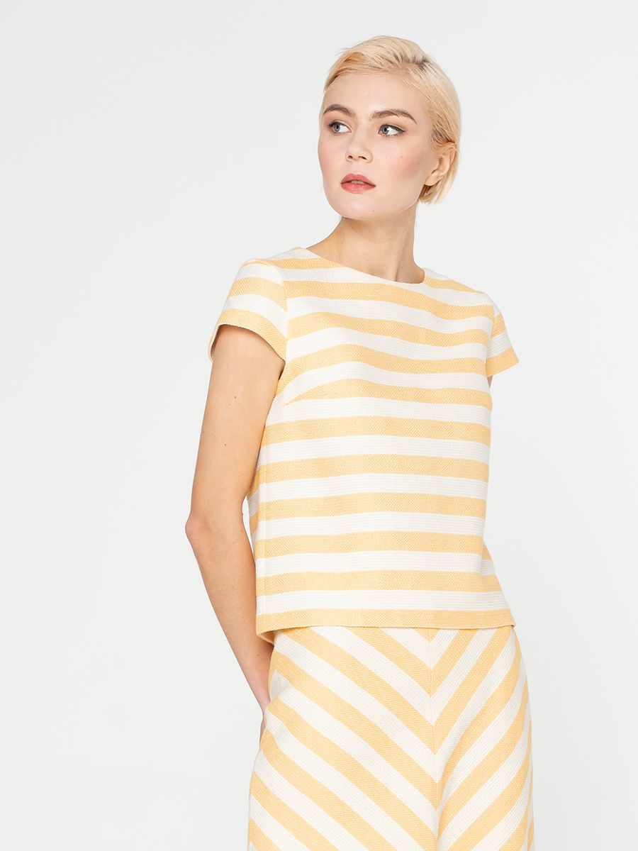 Блуза Г593-581 - Блуза прямого силуэта из фактурной ткани. Горизонтальная, модная в этом сезоне, полоска смотрится стильно и необычно.