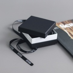 Подарочная коробка Mariza квадратная большая 8*8см  оптом и в розницу