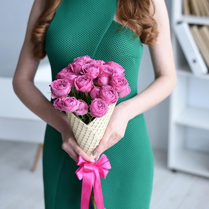 Купить букет 5 кустовых пионовидных роз Мисти Баблс в Перми