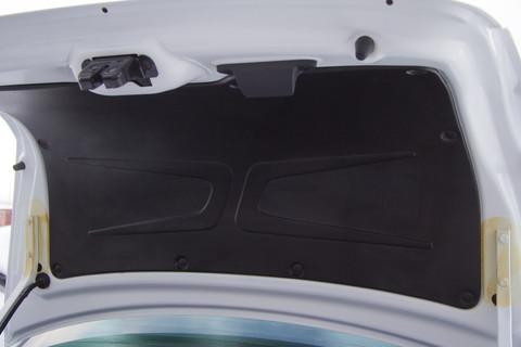 Обшивка крышки багажника Гранта
