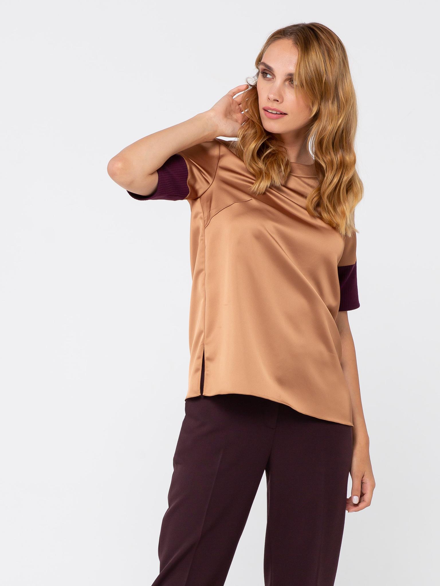 Блуза Г563-160 - Элегантная атласная блуза прямого силуэта. Рукав до локтя обработан широким манжетам из фактурной ткани. Округлый вырез горловины с застежкой на пуговицу сзади. Можно носить как на выпуск, так и заправлять в юбку или брюки.