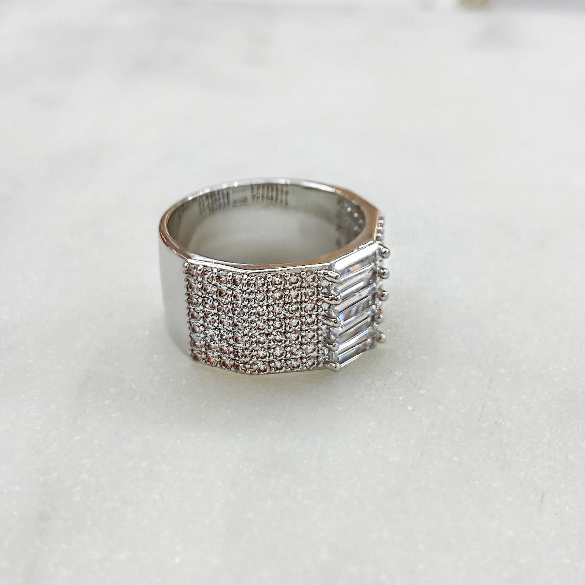 Кольцо Zircon с пале и багетными цирконами (юв.сплав)