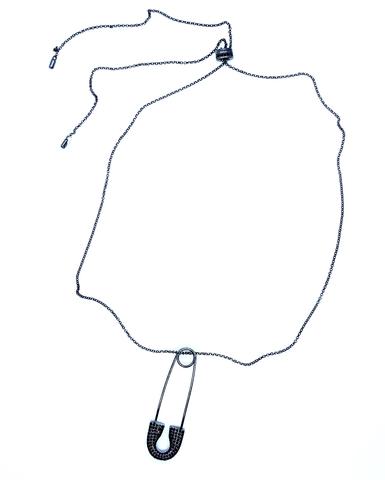 3354BZ- Колье с булавкой из черного серебра в стиле APM MONACO