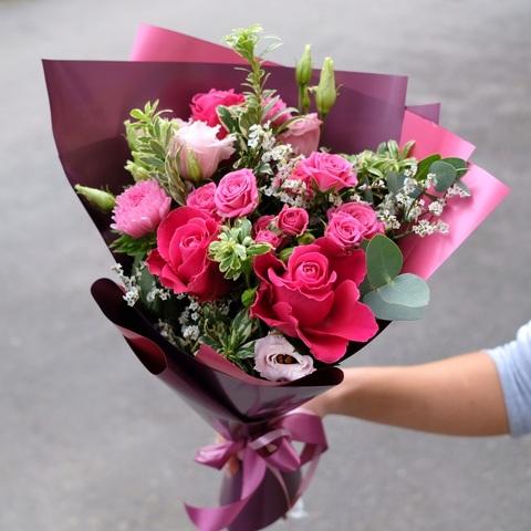 Букет осенний 7 с астрами и кустовыми розами