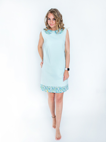 Платье голубое с белым воротником