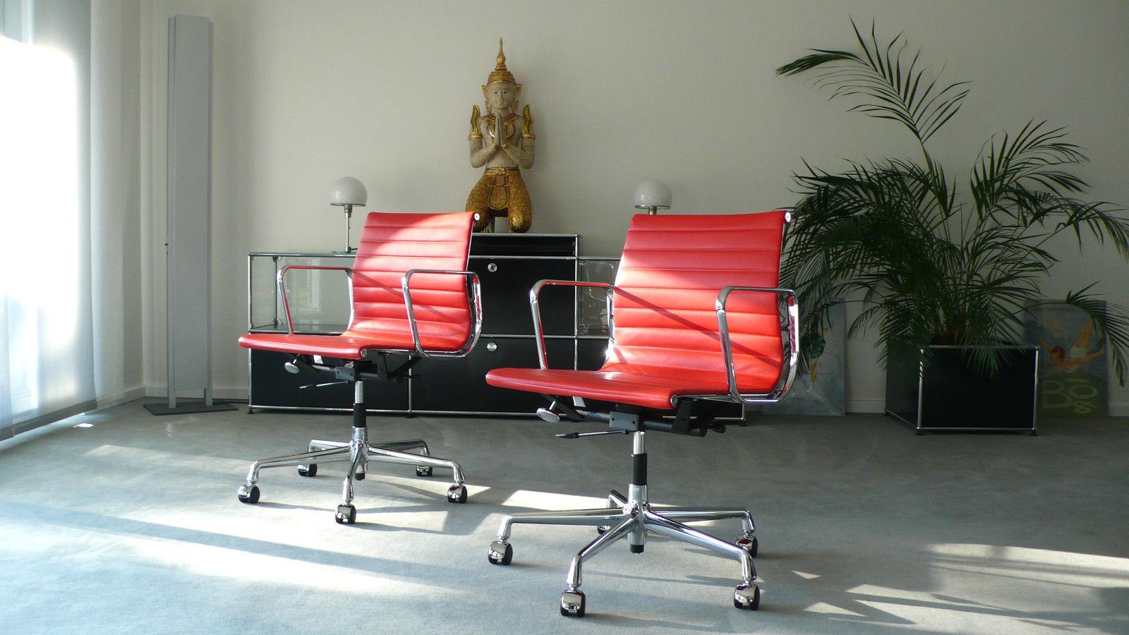Кресло Eames Style Ribbed Office Chair EA 117 красная кожа - вид 2