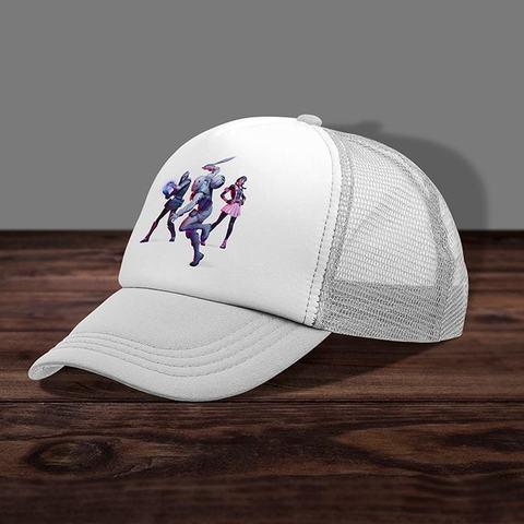 Белая кепка