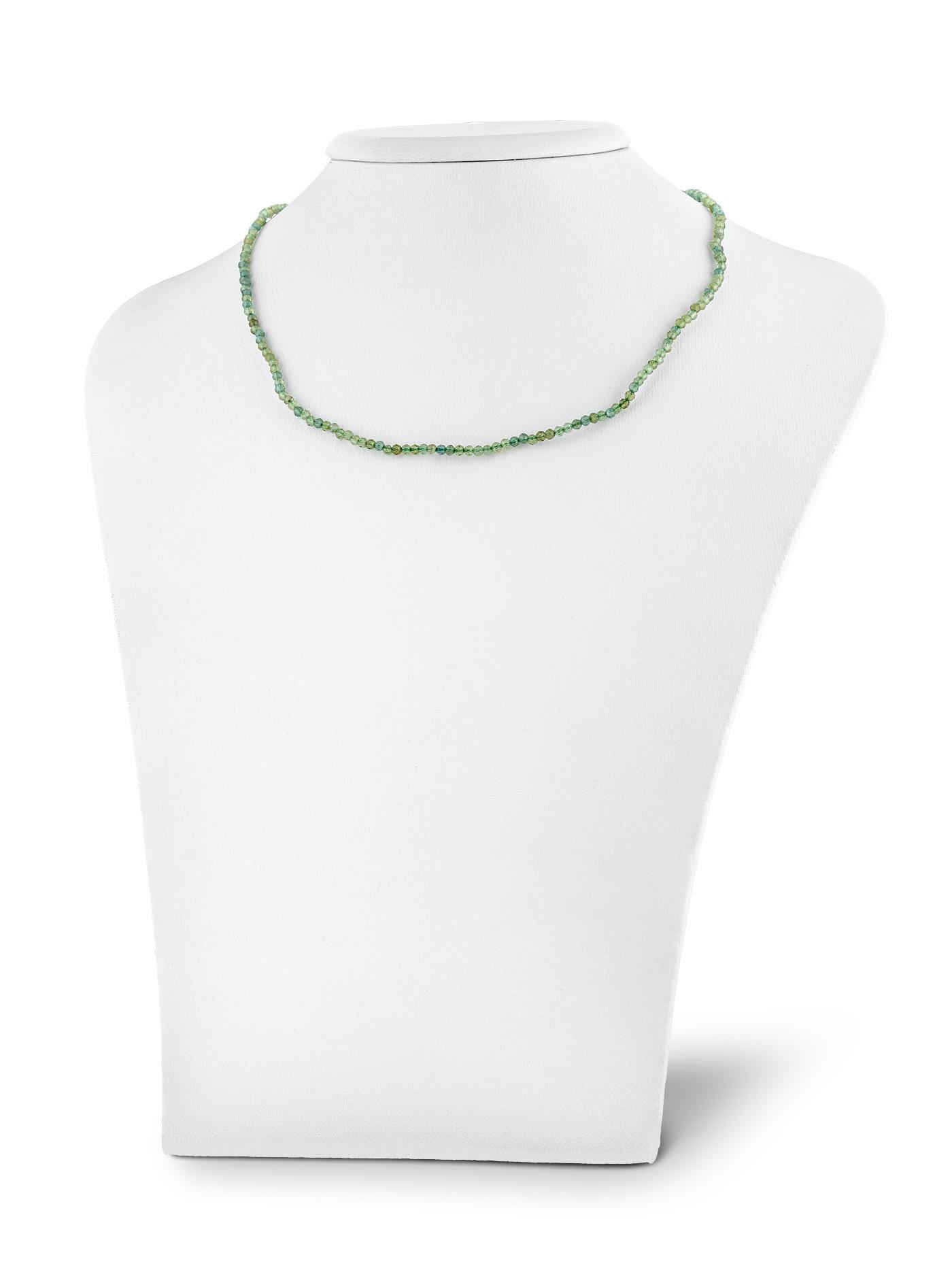 Серебряный чокер с зеленым апатитом