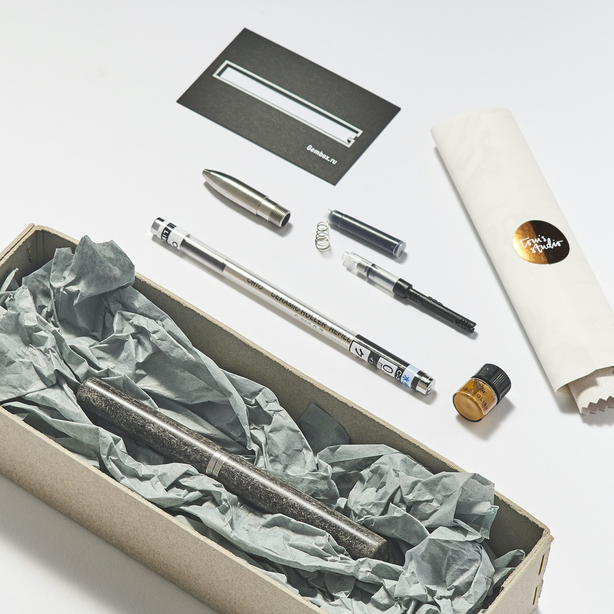 Studio Pen — ручка из шерсти со сменными насадками