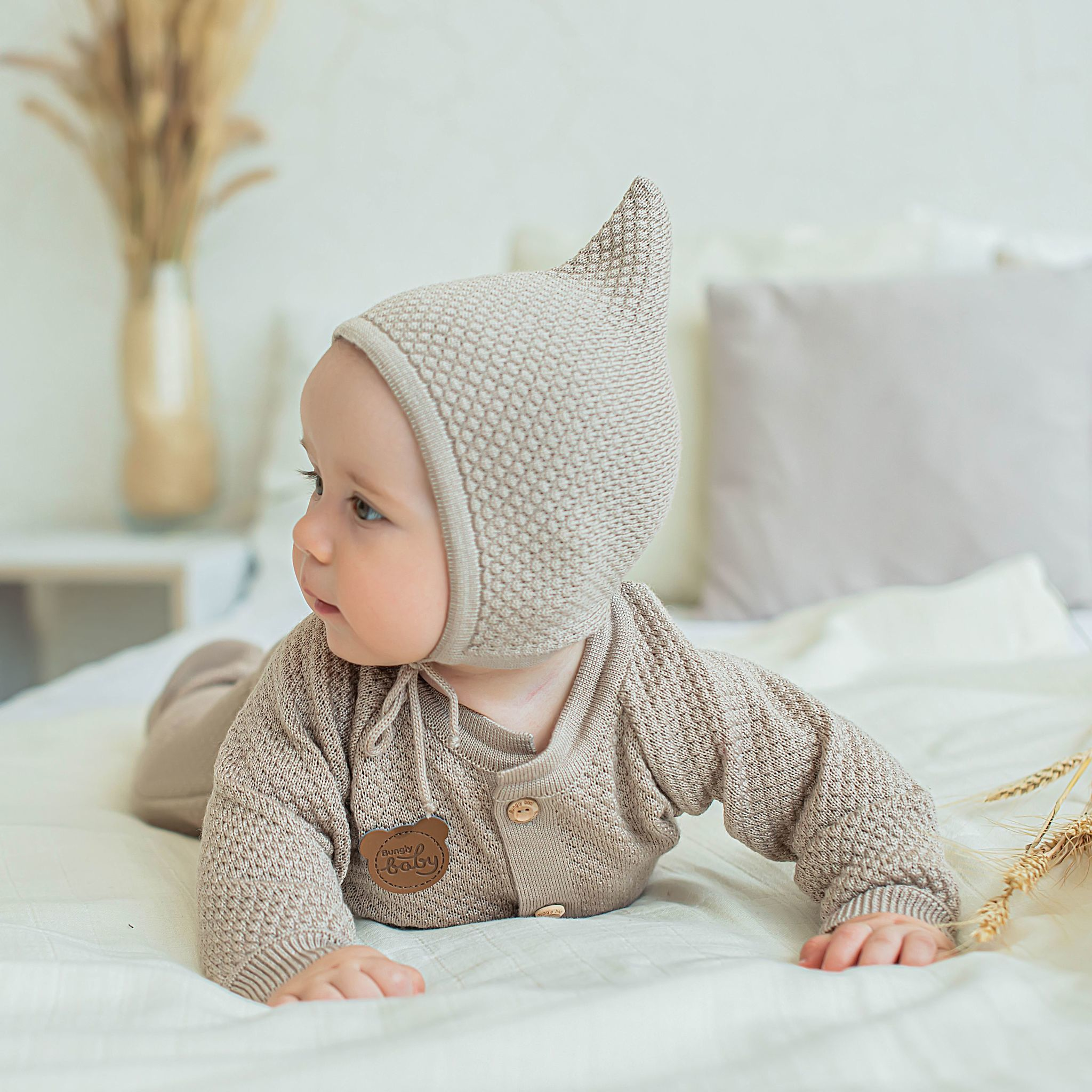 Knitted baby hat 0+, Light Cream