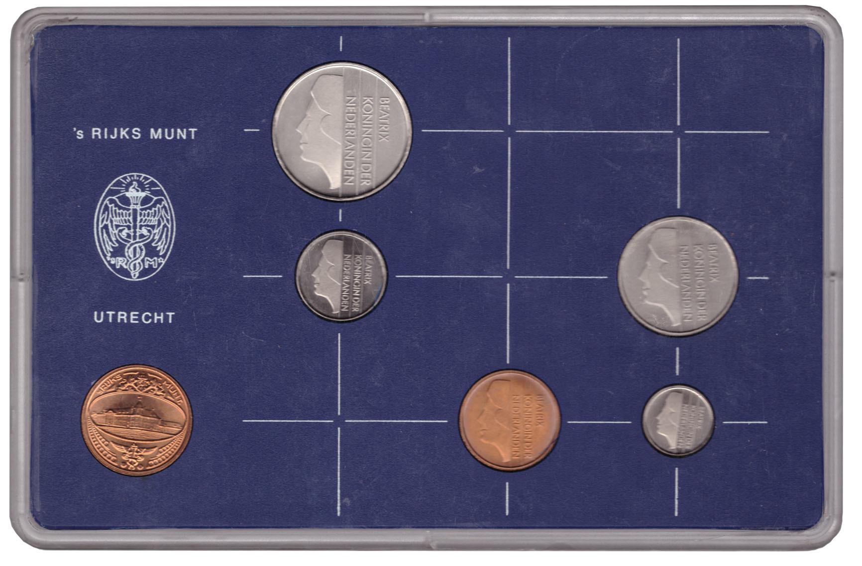 Набор монет Нидерландов 1984 UNC в пластиковой упаковке