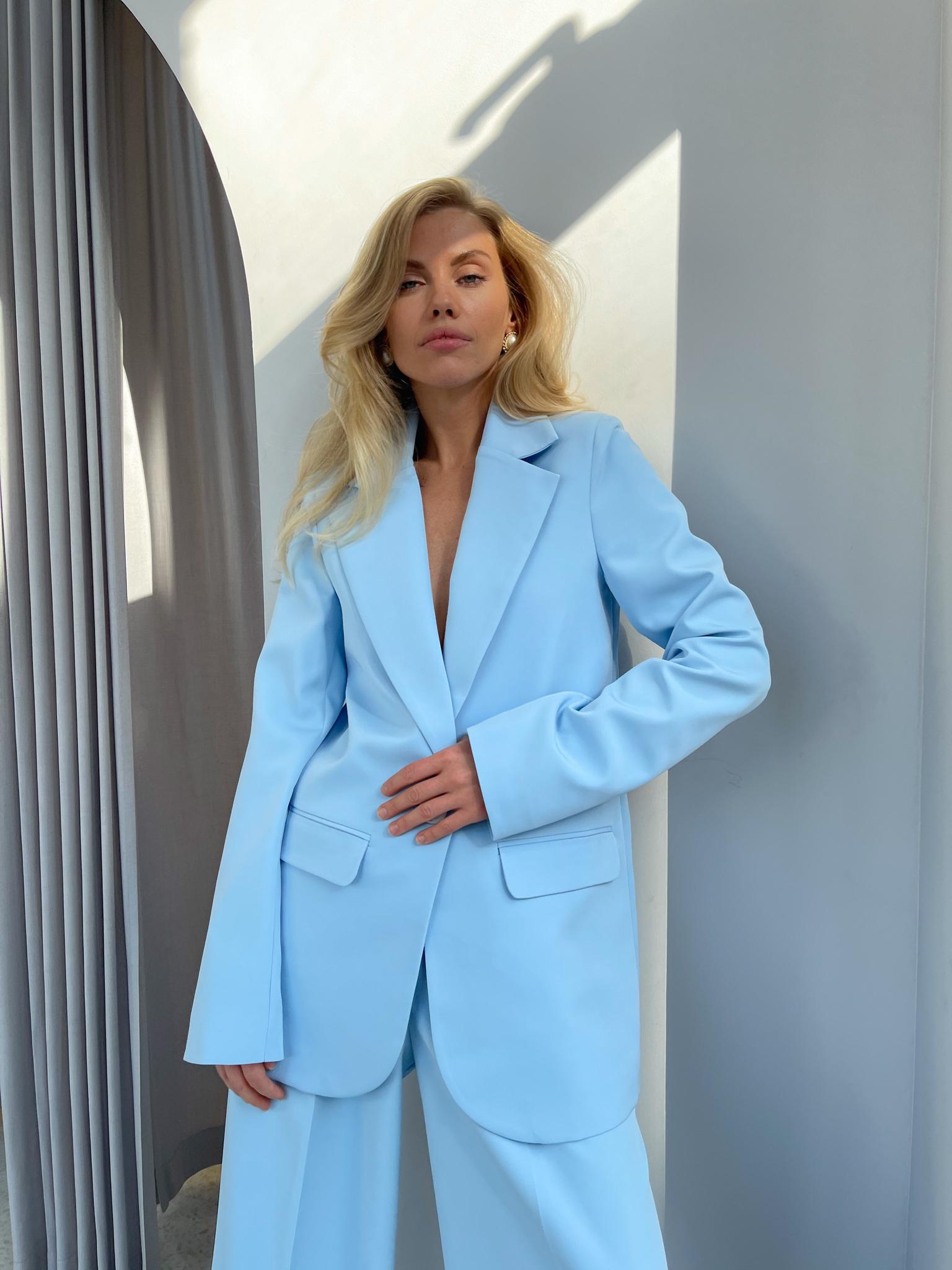 Пиджак прямой со шлицей (голубой)