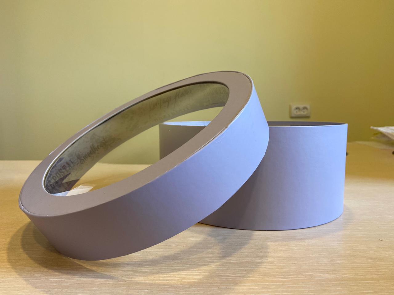 Короткая коробка с прозрачной крышкой 40см х 15 см Цвет; Светло серый   . Розница 600 рублей